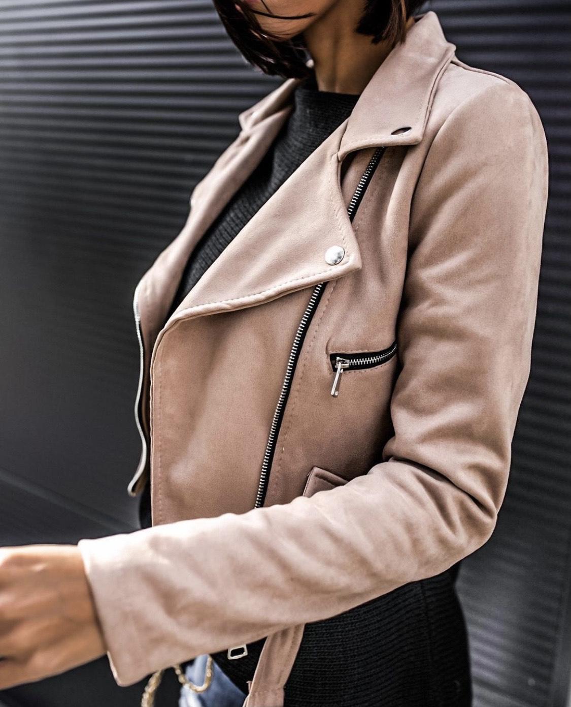Kabátok, mellények